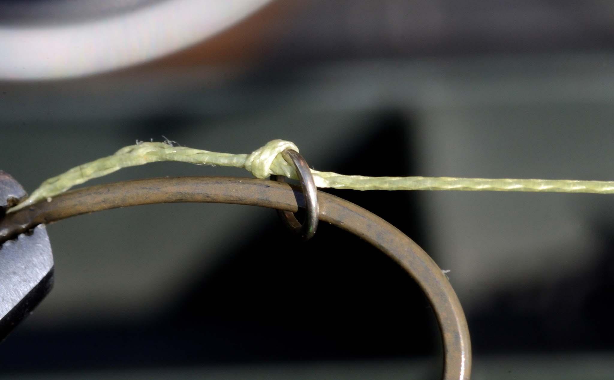 3. Закріпіть колечко за допомогою вузла